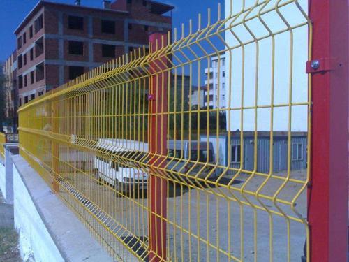 三角折弯护栏网
