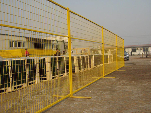 移动护栏网