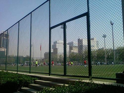 标准体育场围栏与普通护栏的区别
